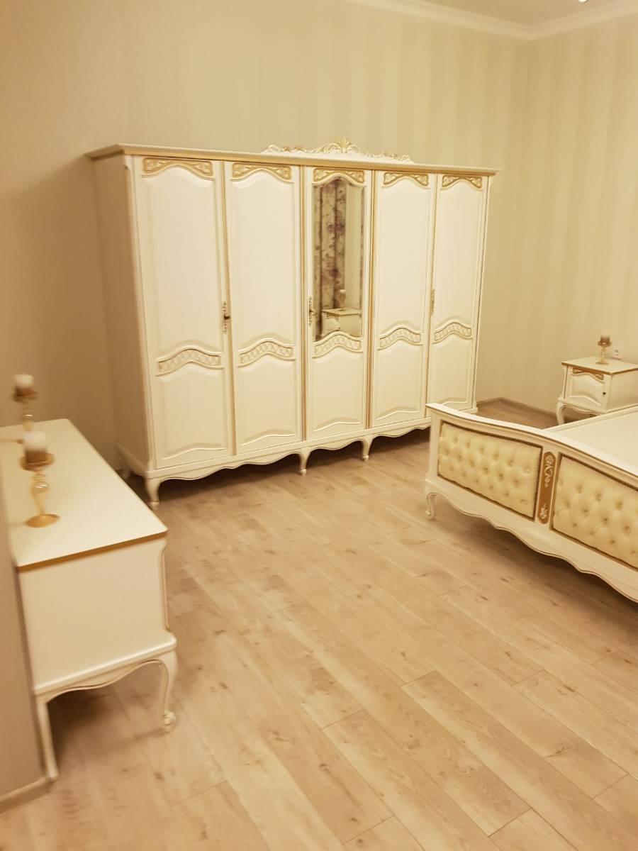 Продам дом 170м2 дизайневский ремонт+мебель  с. Софиевская Борщаговка 2км Киев