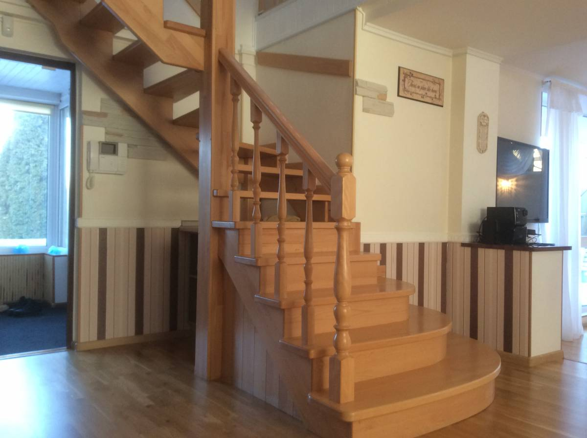 Продам 2 эт. дом 140 кв.м. в с.Осещина, с.к  Десна,  пляж 200 м