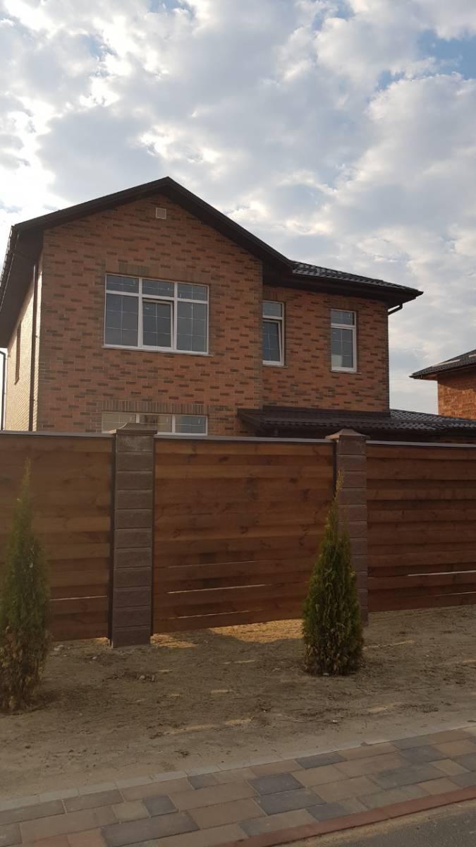Продам дом 200м с.Софиевская Борщаговка граничит с. Петропавловская Борщаговка 3 км Киев
