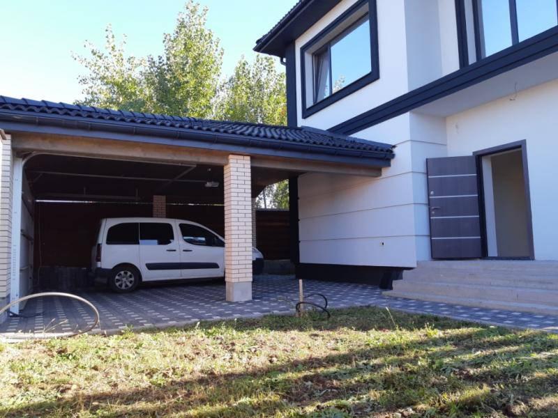 Продам дом 195м2+терраса+навес с. Софиевская Борщаговка / Петропавловская Борщаговка 2км Киев