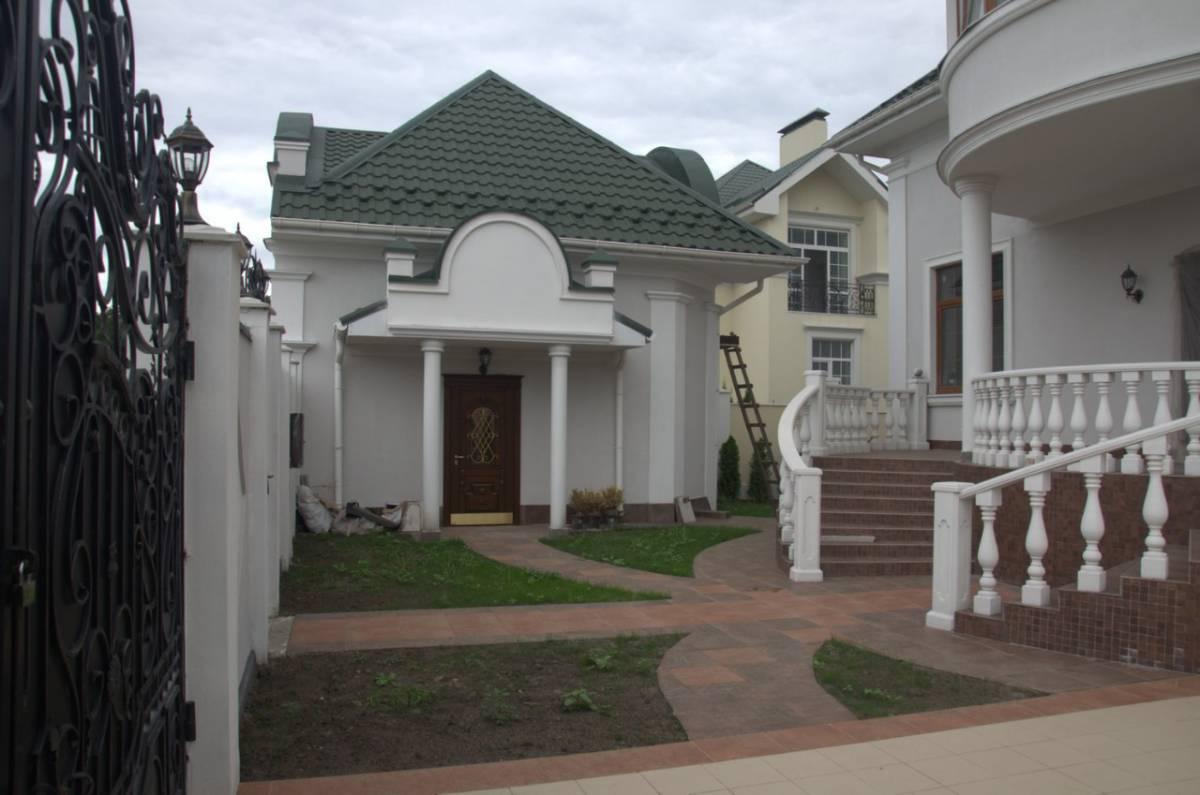 Продам дом 700м2 в закр. городке с. Крюковщина 4км Киев рядом Гатное Вишневое