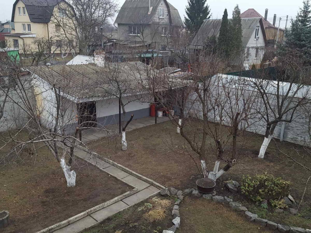 Продам 3 эт. кирпичный  дом 140 кв.м. в с.Осещина, с.к  Экран,  пляж 300 м