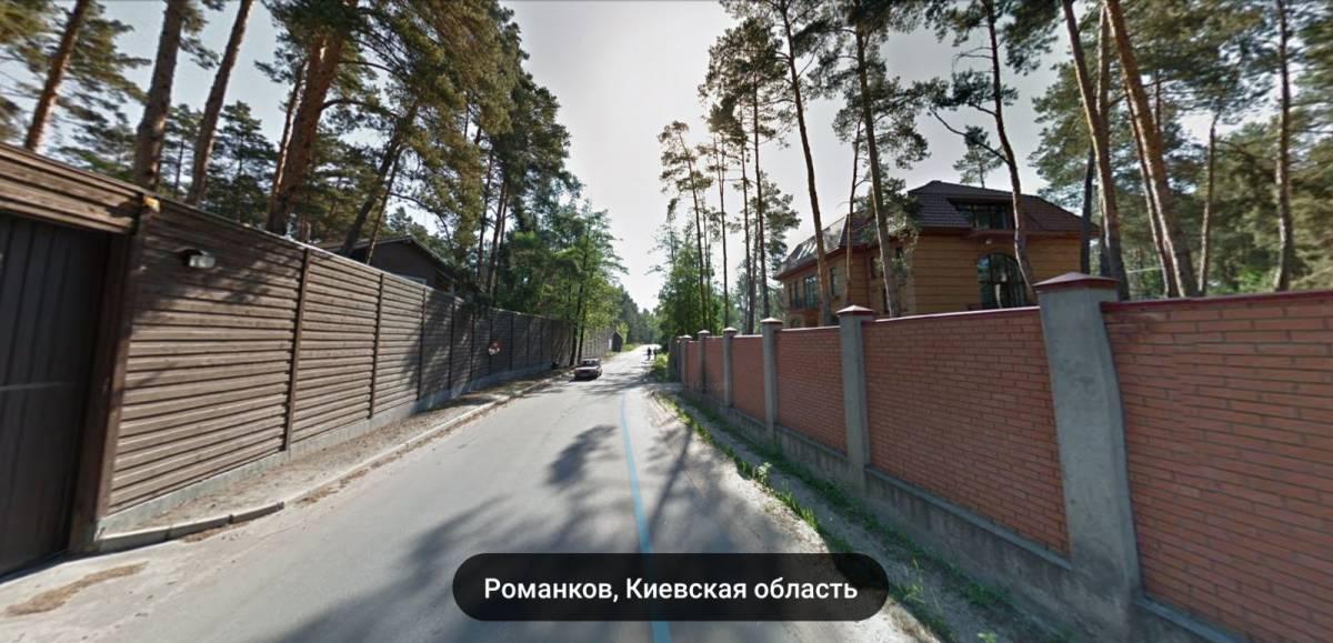 Продам участок 5 га с. Романков 1-я лес озеро фасад Новообуховская трасса ( Днетропетровское шоссе ) 12 км Киев