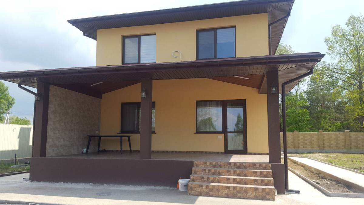Продам 2 эт. дом 140 кв.м. в с.Осещина, ул.Деснянская, земли 15 соток
