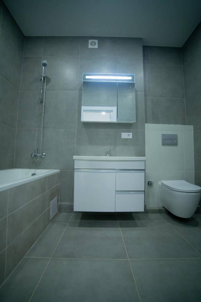 Продам 430 м2 дом с выходом на воду Стугна Днепр г. Украинка ( Плюты Таценки )