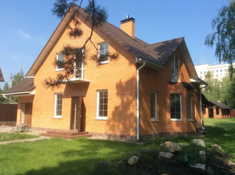 Продам 2 эт. кирпичный дом 193 кв.м. в г.Вышгороде, микрорайон Дедовица