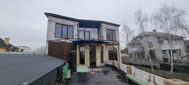 Продажа 2 эт.кирпичного дома 300 кв.м. на 1 линии р.Днепр в КГ Чернобылец