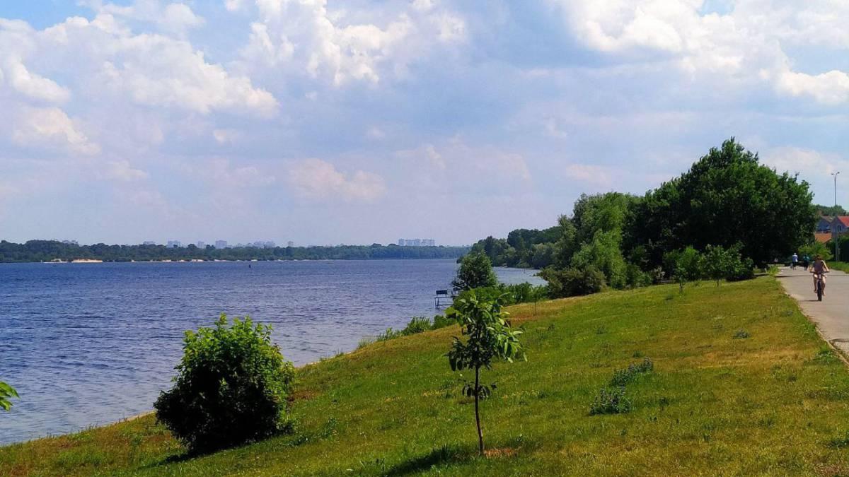 Продам 2 эт. кирпичный дом 300 кв.м. на Оболоне,КГ Чернобылец,8 соток