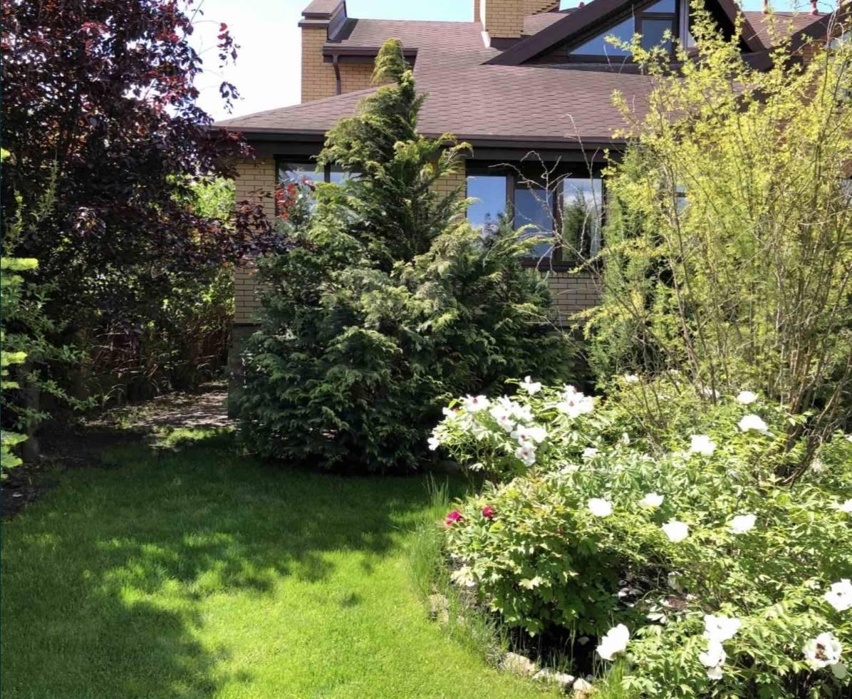 Продам кирпичный дом 490 м2 с ремонтом с. Гатное Теремки рядом лес и озеро