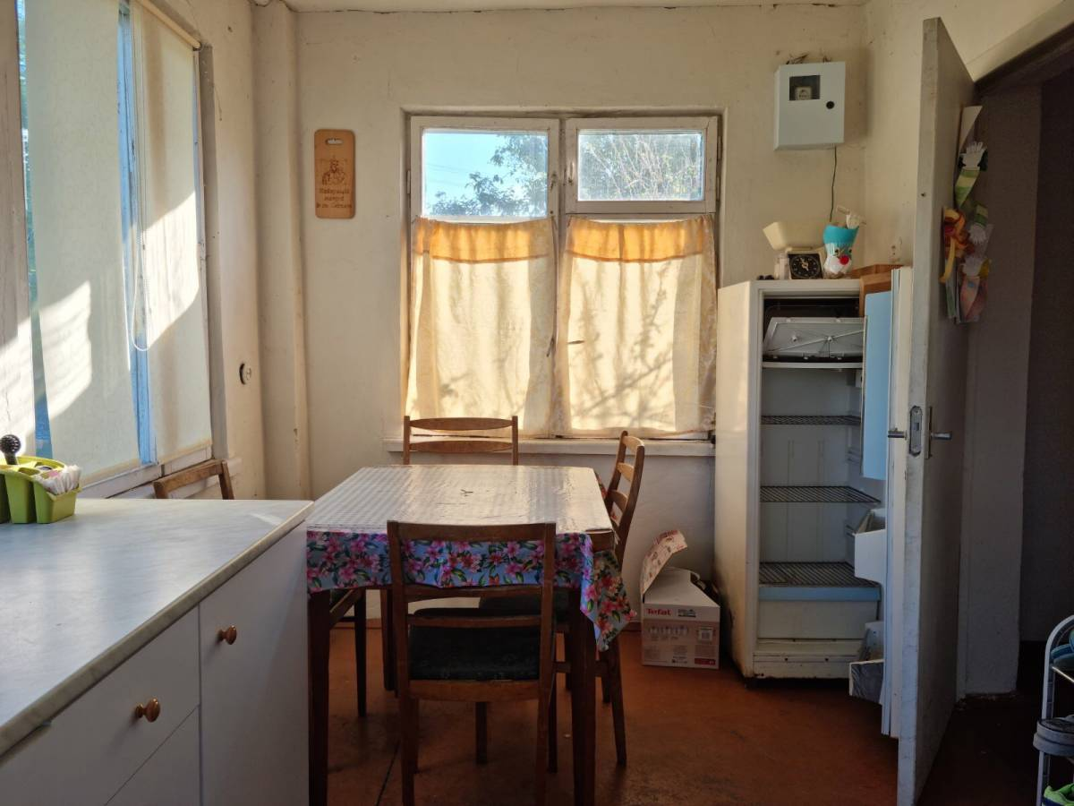 Продам 1 эт. кирпичный дом 45 кв.м. в с.Хотяновка,с.к Пролесок -10,  земли 5.1 сотки